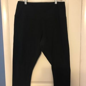 Lysse plus sized black capri legging with shaper